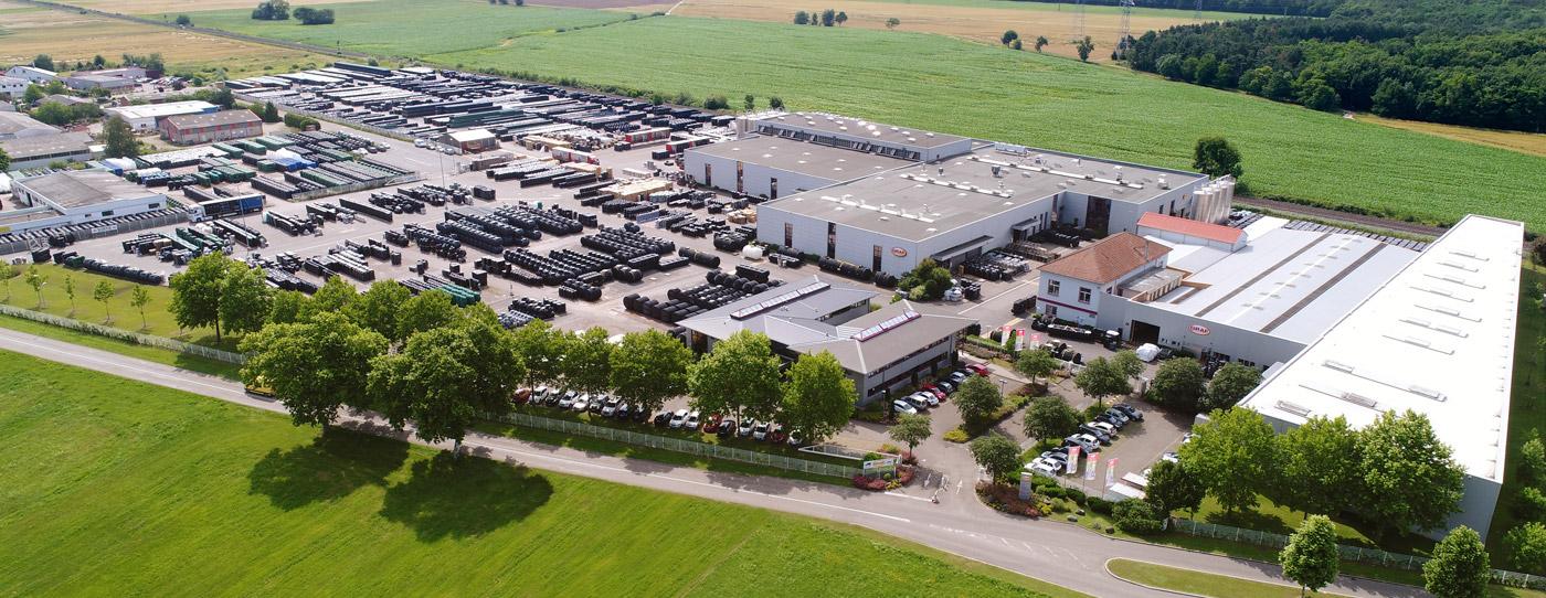 旋转和注塑生产位于Dachstein。Dachstein工厂的总面积为100,000平方米。